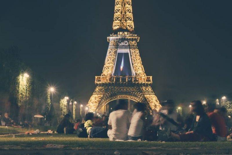 people-eiffel-tower-france-landmark-large